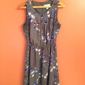 Elle Sleeveless Gray and Floral Dress
